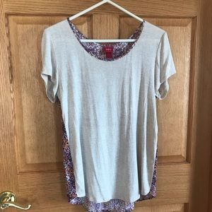 Daytrip, shortsleeved, gray, floral back, blouse